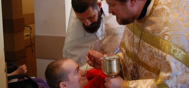 Напередодні свята святителя Миколая Чудотворця священики відвідали будинок-інтернат «Троянда»