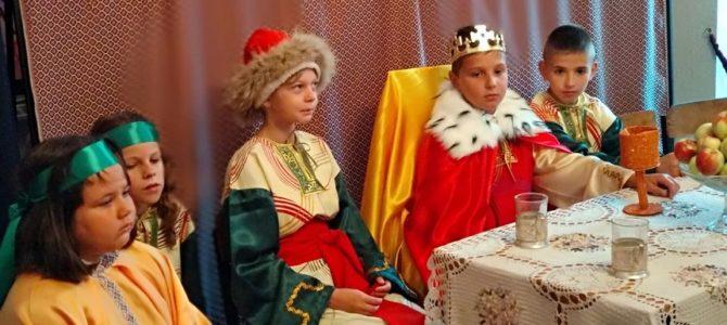 Костюмований дитячий театралізований виступ «Як хрестилася Київська Русь»